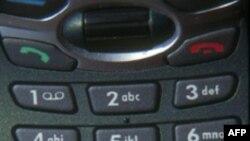 Autoritetet kosovare shkyçin antenat e telefonisë serbe që operonin ilegalisht