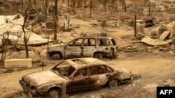 Spaljeni automobili u požaru Ranch, dijelu požara Mendocino kompleks, u Spring Valley u blizini Clearlake Oaksa, u sjevernoj Kalirofniji, 7. avgusta 2018.