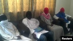 Gambar video yang menunjukkan warga Perancis yang mengaku diculik sekte Islamis Boko Haram.