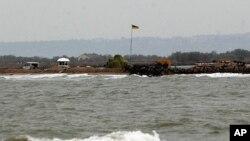 Украинский КПП на острове Тузла, Азовское море