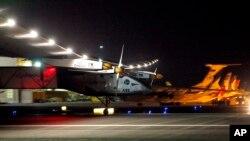 El Solar Impulse 2 llega a Arizona en el más reciente segmento de su viaje alrededor del mundo.