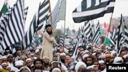 جے یو آئی نے اسلام آباد میں کئی دن تک دھرنا دیا — فائل فوٹو