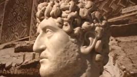Arkeologjia shqiptare dhe mbështjetja amerikane