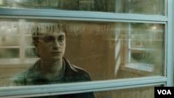 La nueva entrega de la saga Potter contiene mucha más acción y romance que sus predecesoras por lo que ha sido clasificada PG 13.