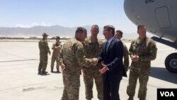 U.S. Secretary of Defense Ash Carter arrives in Afghanistan, July 12, 2016. (C. Babb/VOA)