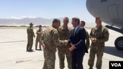 U.S. Secretary of Defense Ash Carter arrives in Afghanistan, July 12, 2016. (C. Babb/VOA)