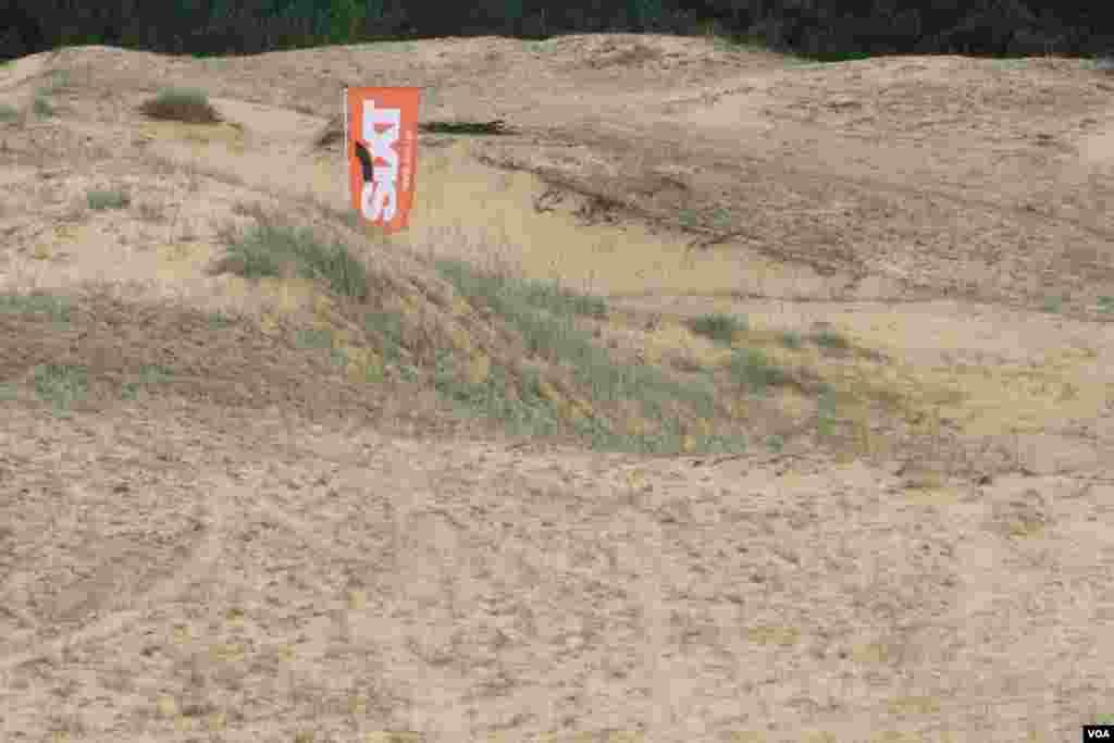 В настоящий момент часть пустыни периодически используется для различных экстремальных видов спорта.