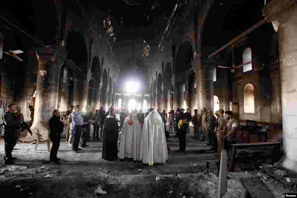 بعد از دو سال، اولین عشای ربانی در بزرگترین کلیسا در عراق بعد از آزادی آن از دست داعش برگزار شد.