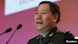 Letnan Jenderal Qi Jianguo, wakil kepala Tentara Pembebasan Rakyat berbicara dalam forum di Singapura (2/6).
