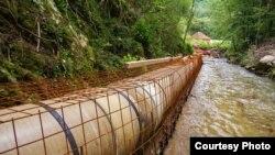 """Arhiva - Izgradanja mini hidro elektrane na reci Prištavica (Foto: Udruženje """"Odbranimo reke stare planine"""", ustupio Milan Tokić)"""