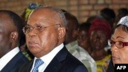 Reportage sur l'appel d'Etienne Tshisekedi pour le dialogue, au conclave de l'opposition de la RDC, avec Eddy Isango