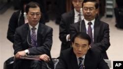 中國外交部副部長李保東(前右資料照)