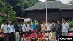ေလာင္းကစားမႈနဲ့ ဖမ္းမိတဲ့ျမန္မာနဲ့တရုတ္ႏိုင္ငံသားမ်ား။ (ဓာတ္ပံု - Ko Thetoo Naing (ျမ၀တီ) - ဇူလိုင္ ၁၅၊ ၂၀၂၀)