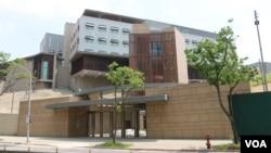 资料照:施工尾声期间的美国在台协会驻台北办事处新馆。