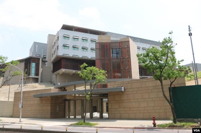 美國在台協會駐台北辦事處新建築即將開館。 (美國之音楊明拍攝)