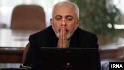 محمدجواد ظریف وزیر امور خارجه ایران در جلسه هیئت دولت در تهران