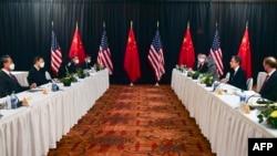 美中兩國高級外交官員在阿拉斯加舉行雙邊高層會談。(2021年3月18日)