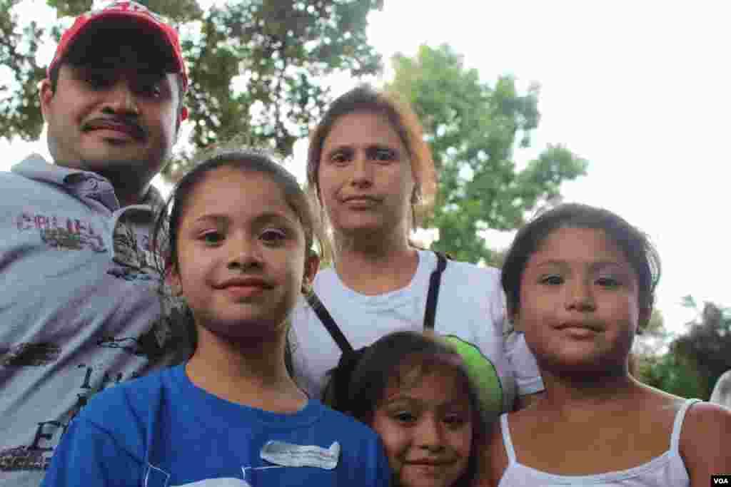 Marisol Cárdenas junto a toda su familia llegó este martes a la Alameda Nacional de Washington para participar de la reforma inmigratoria.
