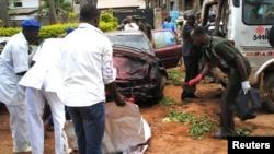 지난해 7월 나이지리아 북부 카두나의 폭탄 테러 현장. 2건의 자살 폭탄 공격으로 80여명이 숨졌다. (자료사진)