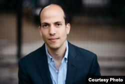 纽约大学法学院亚美研究所研究员何宜伦(Arron Halegua)