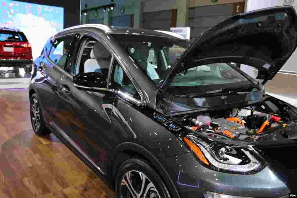 نمایشگاه اتومبیل واشنگتن شورولت Model: Bolt EV (Electric Vehicle)