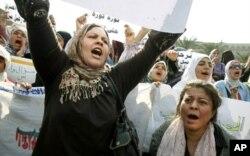 Des manifestantes antigouvernementales au Caire
