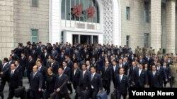 북한 조선중앙통신은 조선노동당 제7차 대회 참가자들이 수도 평양에 도착했다고 2일 보도했다.