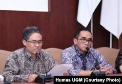 Rektor Universitas Gadjah Mada Panut Mulyono (kiri) menekankan perdamaian ini diterima kedua belah pihak, Yogyakarta, 4 Februari 2019, (Foto: Humas UGM)
