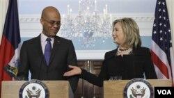 Prezidan eli Michel Martelly ak Sekretè Deta Hillary Clinton