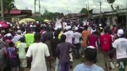 Au Liberia, prières, lance-flammes et foules en fin de campagne électorale (vidéo)