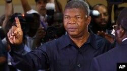 Le nouveau président investi Joao Lourenco après avoir à Luanda, Angola, le 23 août 2017.