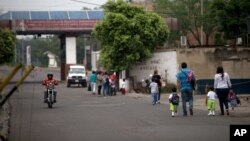 Además de este paso, también fueron habilitados los puntos ubicados en Paraguachón (Maicao), José Antonio Páez (Arauca), Puerto Carreño (Vichada) y Puente Unión (Puerto Santander).