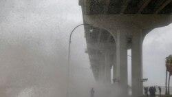 VOA: El huracán Dorian pasa al este de Cabo Cañaveral, Florida.