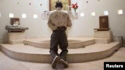 Christian Pray churches Islam