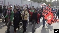 埃及球迷抗議足球暴力事件