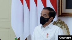 Presiden Jokowi dalam Rapat Terbatas di Istana Merdeka, Jakarta, Selasa (22/9) instruksikan percepatan pembangunan Pelabuhan Terbesar di Indonesia (Setpres RI)