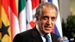 سفیر پیشین آمریکا در عراق، افغانستان و سازمان ملل متحد در کتابی از دیدار محرمانه با محمدجواد ظریف سفیر وقت ایران در سازمان ملل می گوید