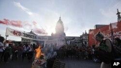 Una protesta se desató en Argentina luego del comienzo de la Cumbre del G20 en Buenos Aires.