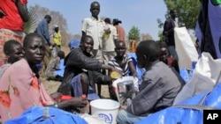 Hàng chục ngàn thường dân tạm trú trong các trại tị nạn ở Nam Sudan kể từ khi giao tranh nổ ra