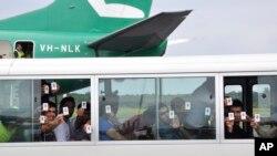 آرشیف: گروهی از پناهجویان که در ۲۰۱۳ به کمپ جزیرۀ مانوس انتقال داده شدند.