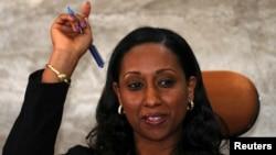 다그마윗 모게스 에티오피아 교통부 장관은 4일 아디스 아바바에서 에티오피아항공 여객기 추락 사고에 대한 기자회견을 열었다.
