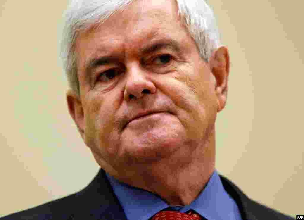 """Newt Gingrich. Cựu Chủ tịch Hạ Viện và Dân biểu của Georgia. Ông được xem là một """"nhà tư tưởng"""" trong đảng Cộng hòa và là người hay chỉ trích chính sách đối ngoại của Tổng thống Obama. Có vấn đề ngay từ đầu vì nhiều người trong ban vận động của ông rút lu"""