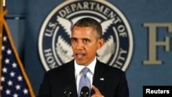 2013年10月7日奥巴马总统在华盛顿对美国联邦紧急事务管理署的工作人员发表谈话