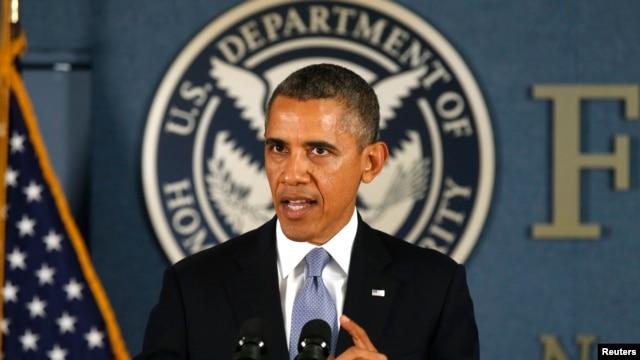 သမၼတအိုဘားမားက ျပည္ေထာင္စုအစိုးရ အေရးေပၚ စီမံခန္႔ခြဲမႈဌာန (FEMA) ၌ မိန္႔ခြန္းေျပာၾကားစဥ္။ (ေအာက္တိုဘာ ၇၊ ၂၀၁၃)။