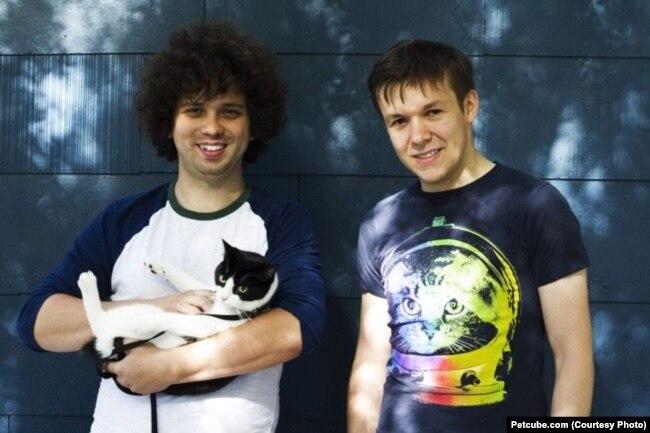 Ярослав Ажнюк (справа)