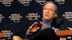 Fred Bergsten, osnivač Instituta Peterson za međunarodnu ekonomiju na Svetskom ekonomskom forumu u Davosu, 2014.