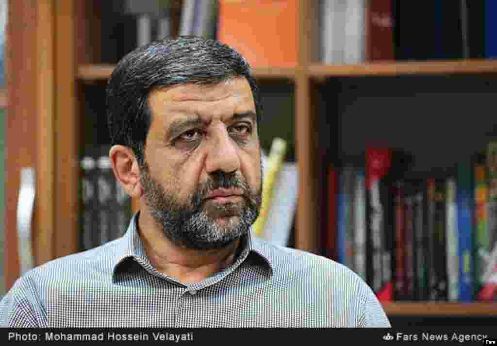 عزت الله ضرغامی رئیس پیشین سازمان صدا و سیما از جمله کسانی است که می گوید برای انتخابات اردیبهشت ماه ریاست جمهوری نامزد می شود.