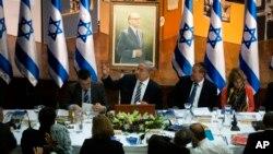 El primer ministro de Israel, Benjamin Netanyahu, expuso los avances ante su gabinete en la reunión de este domingo en Jerusalén.