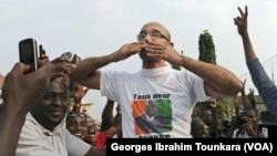 Michel Gbagbo à la rencontre des militants du FPI, à Abidjan. (VOA/Georges Ibrahim Tounkara)