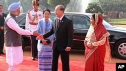 缅甸总统登盛与印度总理辛格会面(2011年10月14日)